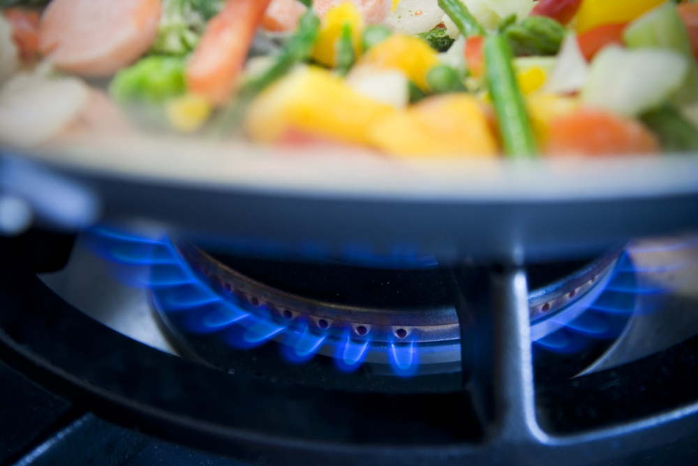 Een keramische kookplaat, of koken op gas of inductie? Keukens Vreys Lommel